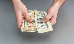 Сколько можно купить долларов за один раз в россии сегодня